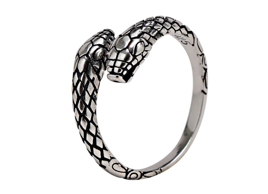 Jewelry photographer samples - Silver snake ring